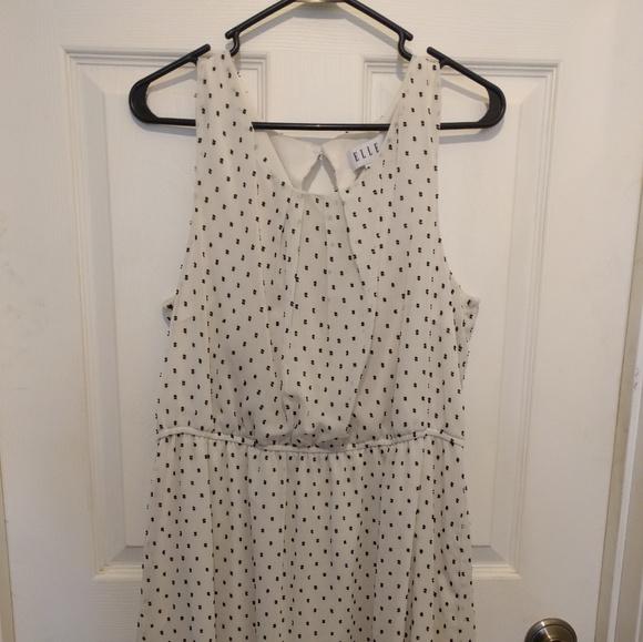 Elle Dresses & Skirts - White dress